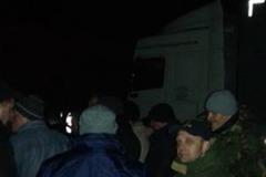 Блокада набирає обертів: на Львівщині активісти знову зупинили російські фури