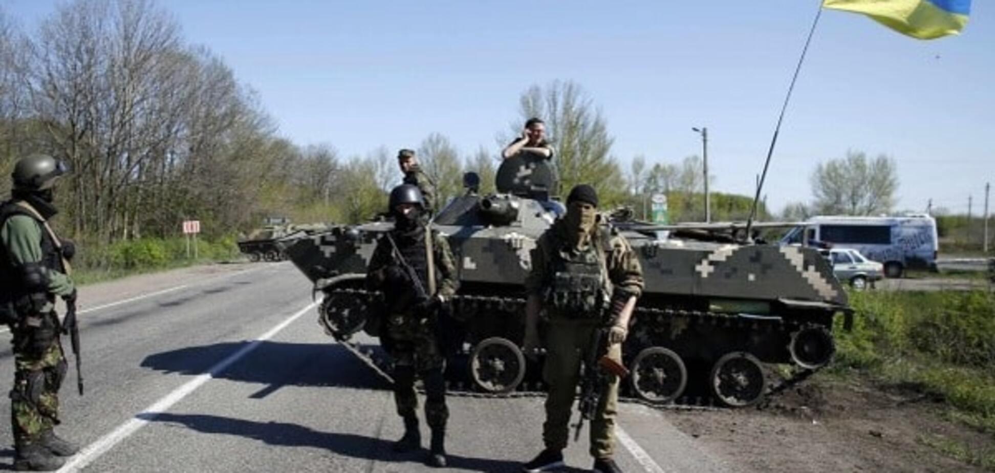 Там шалено мало військ: Тимчук назвав серйозну проблему української армії