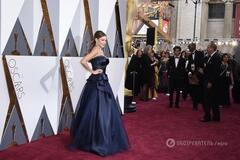 София Вергара поразила элегантным платьем на красной дорожке 'Оскара-2016'