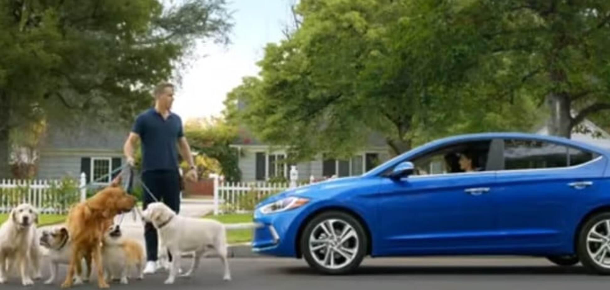 Голливудского секс-символа клонировали в рекламе нового авто: опубликовано видео