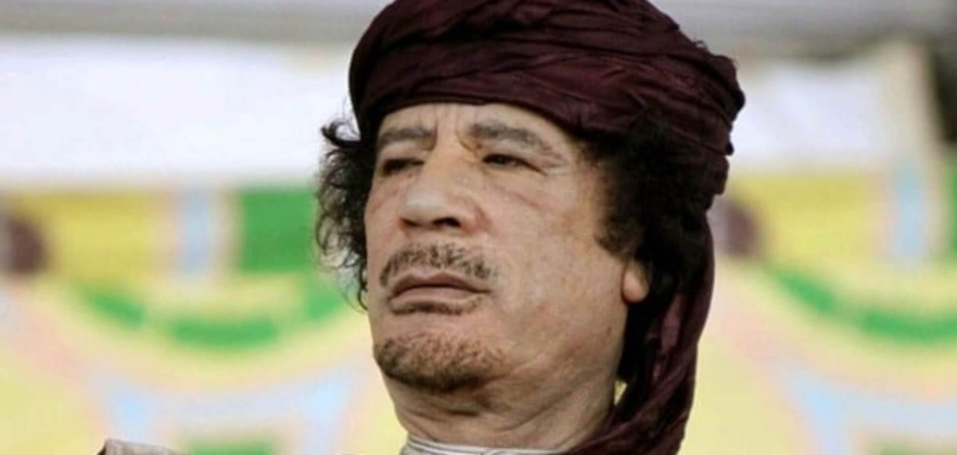 Опубліковано нове відео останніх хвилин життя Каддафі