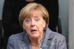 Папа Франциск рассказал о звонке от рассерженной Меркель