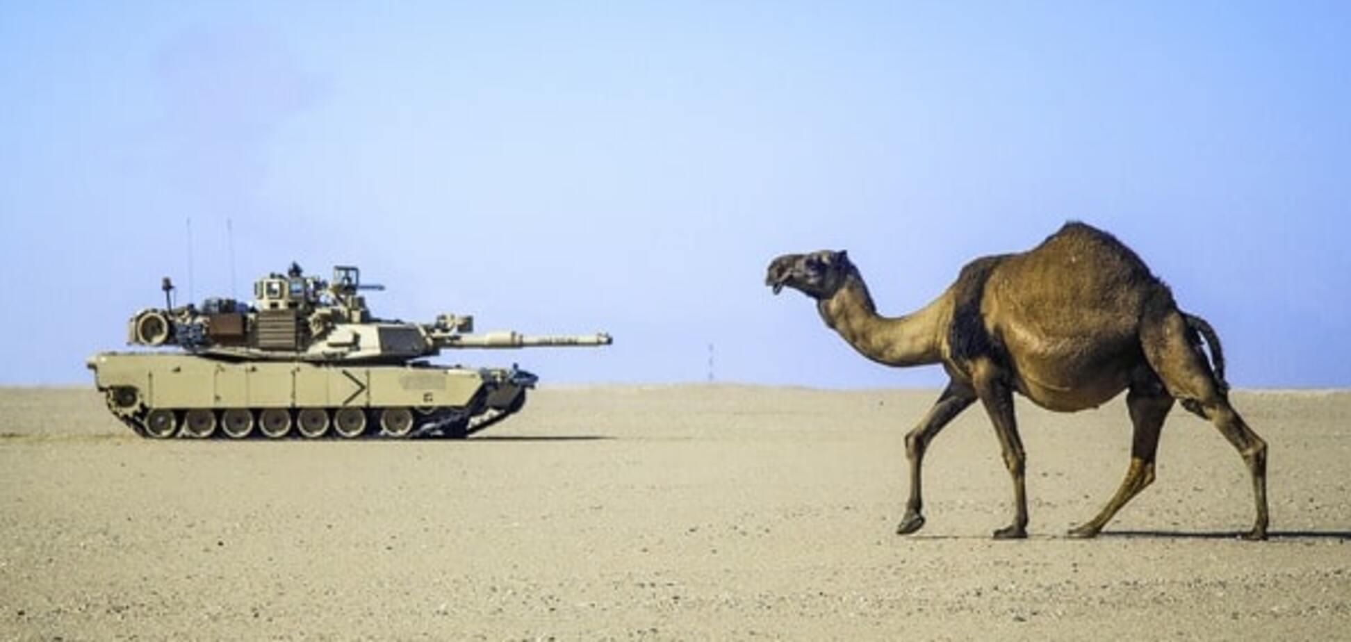 Поставки оружия США: как Вашингтон вооружает всех, но не Украину