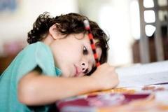 Детское здоровье: ТОП-6 причин плохой осанки у ребенка