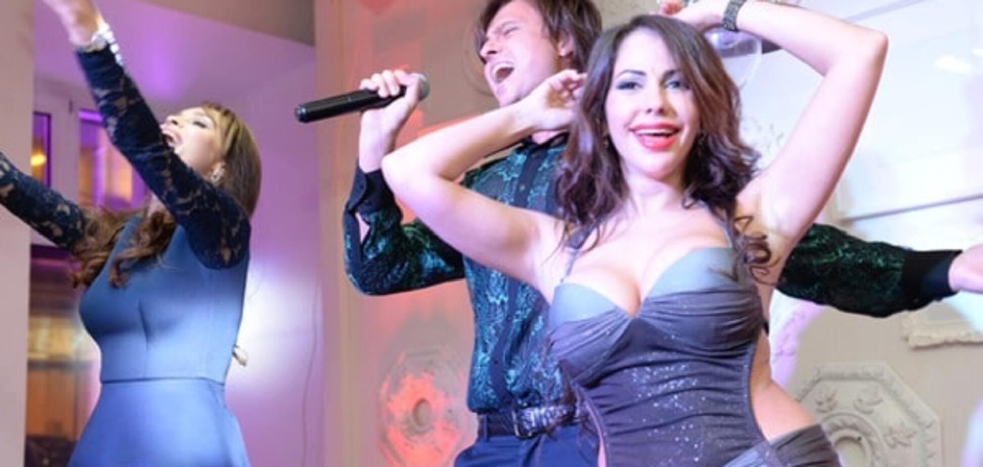 Экс-звезда 'Дома-2' устроила эротические танцы на своем дне рождения