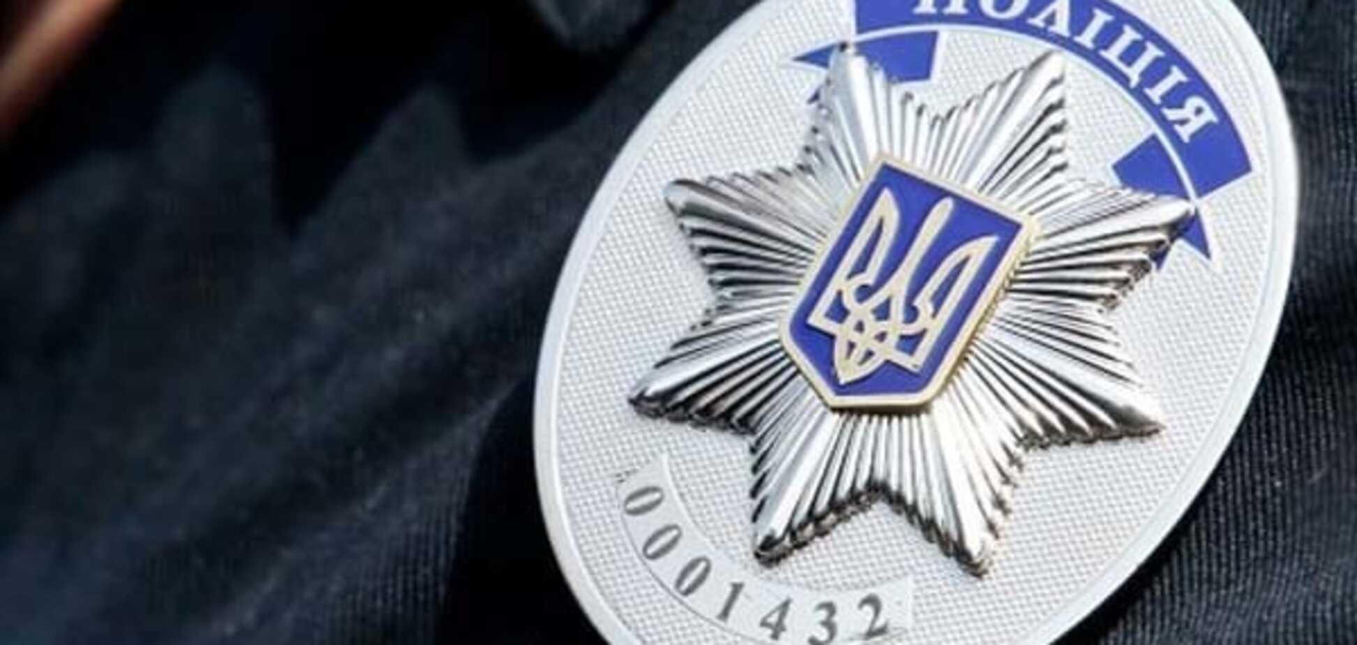 В Киеве грабитель избил пенсионерку и сорвал с нее сережки