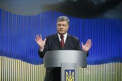 Контроль над силовиками: эксперт рассказал, чего не хватает Порошенко для усиления власти