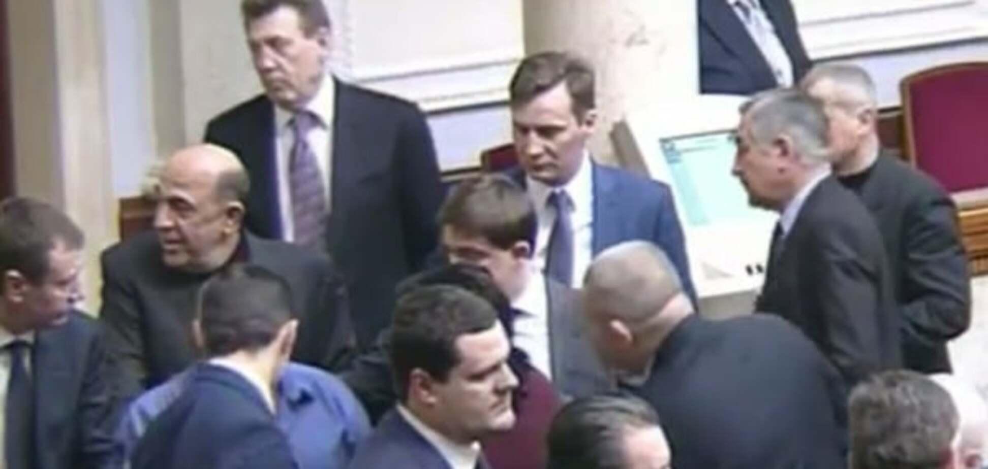 Ледве не побилися: нардепів обурив законопроект по спецконфіскацію майна