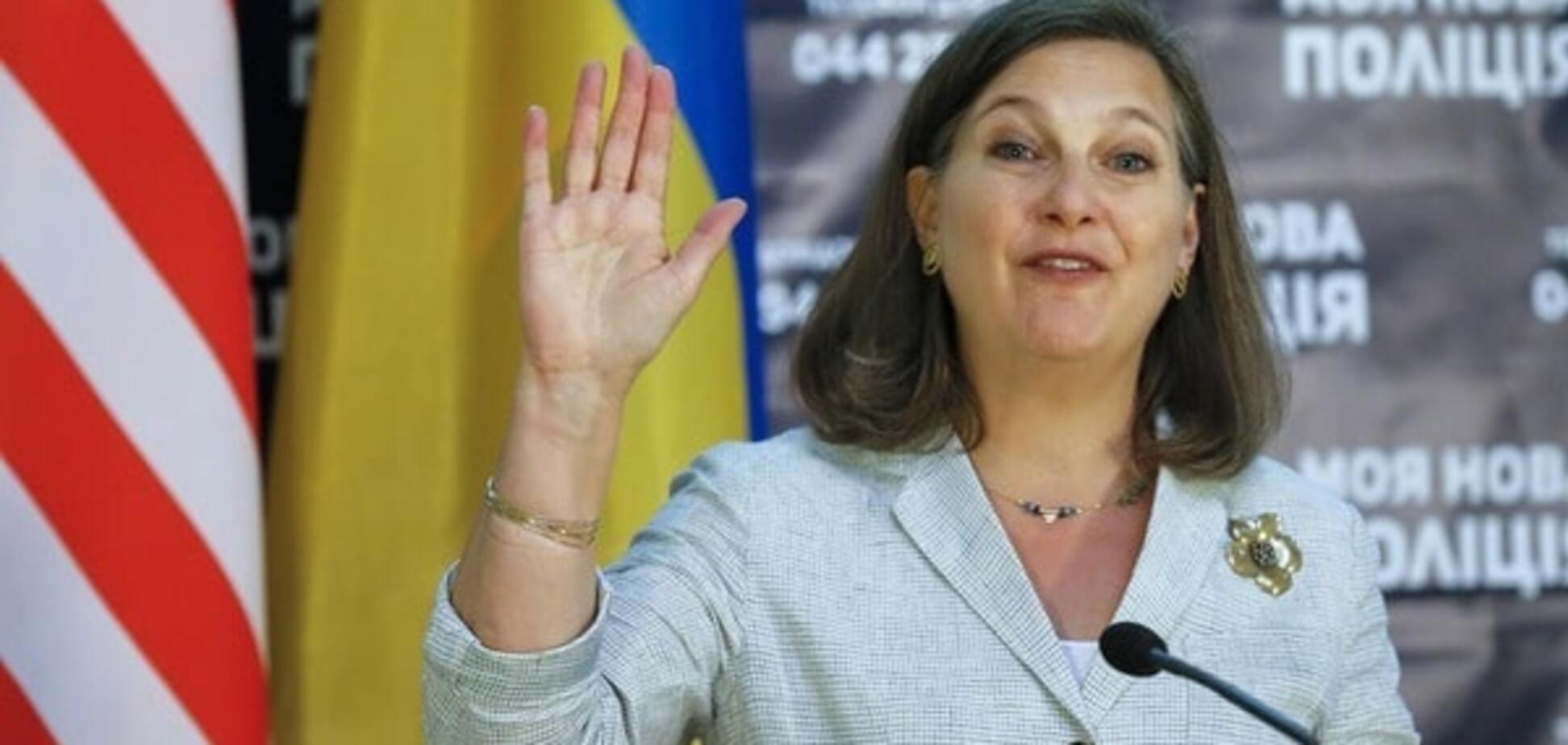 Посторанжевая травма: эксперт объяснил резкость Нуланд относительно Яценюка и Порошенко