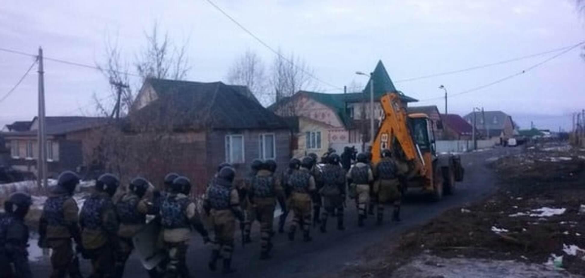 У Росії влада кинула півтисячі силовиків на придушення 'циганського бунту': опубліковані фото і відео