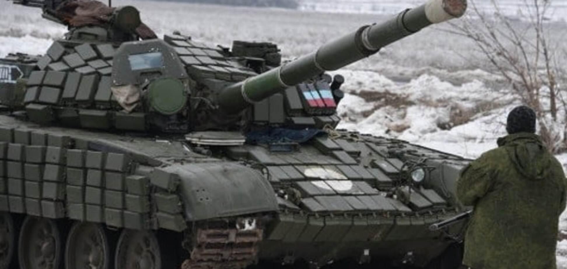 Российский танк и военные в Украине