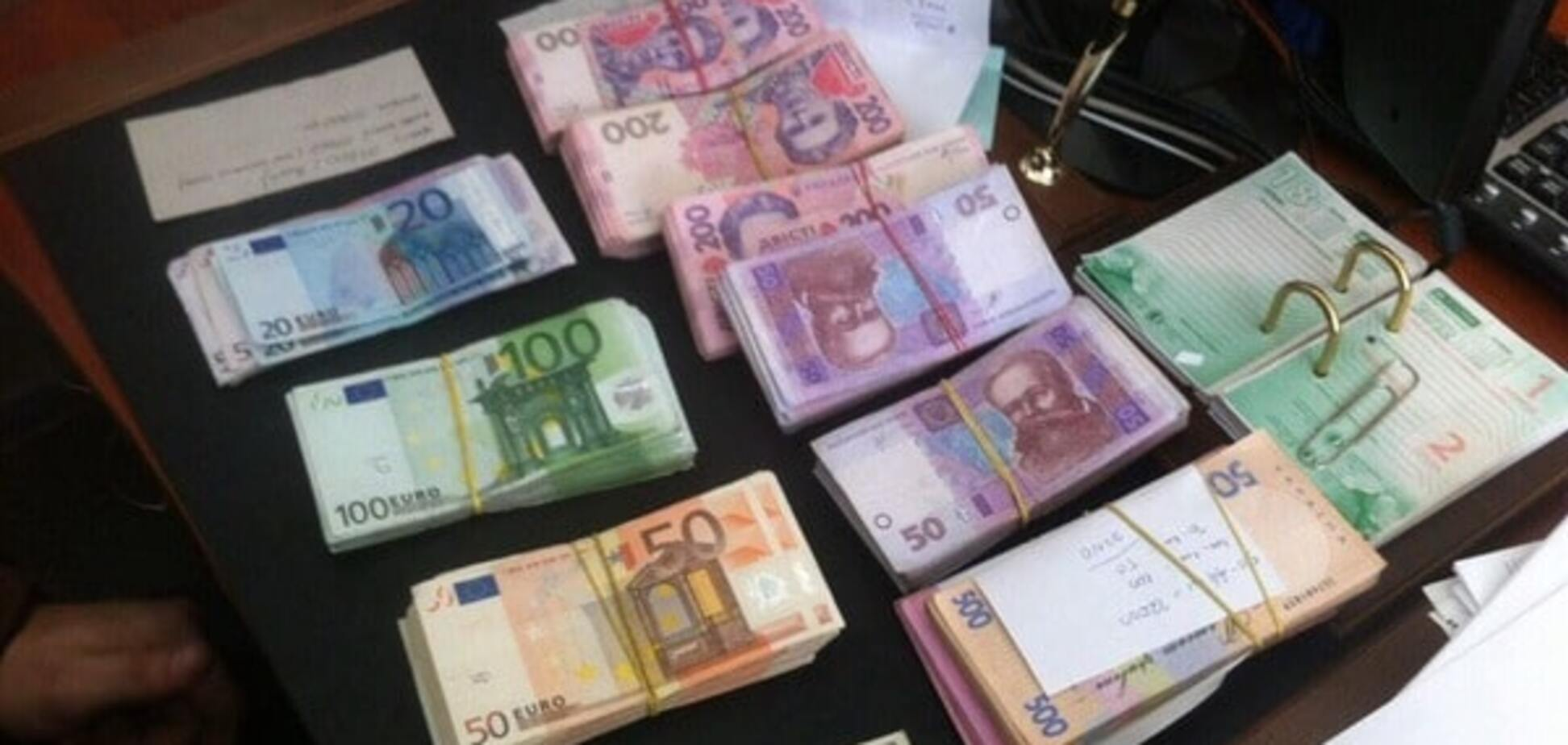 Торговці з тіні: ДФС зловила продавців фруктів на несплаті 3,4 млн грн податків
