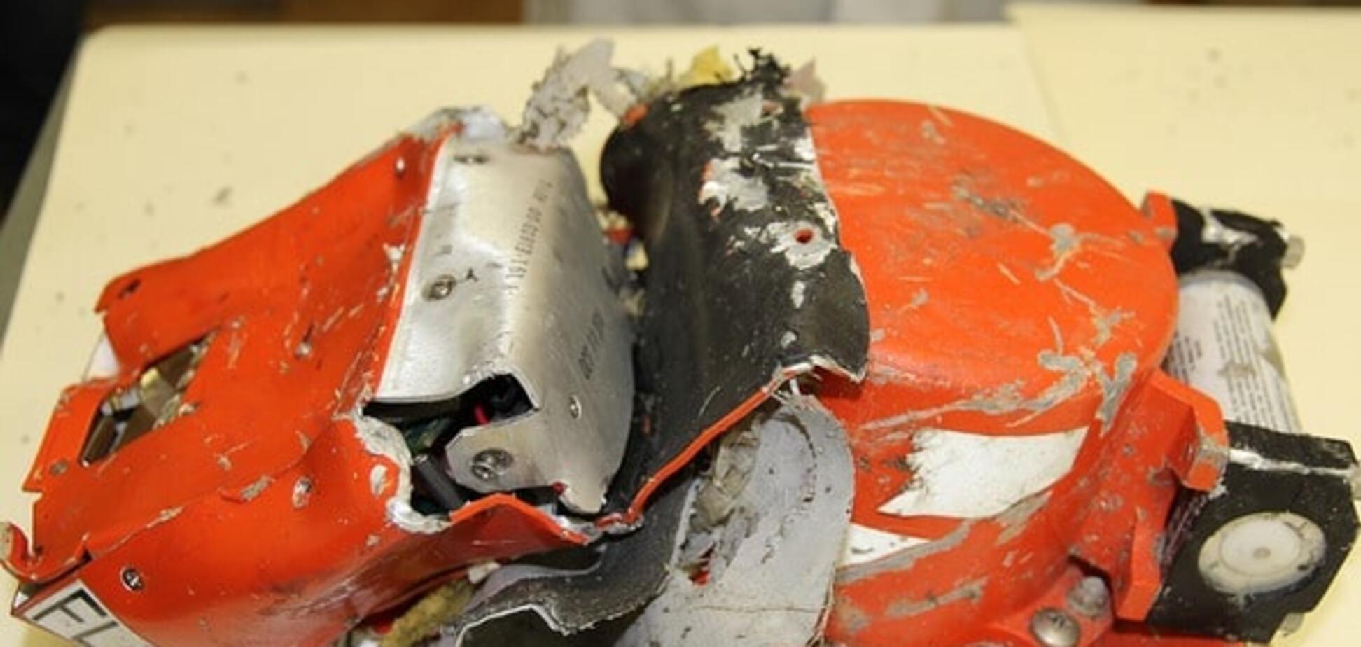 Гибель самолета в Ростове: эксперты обнаружили сильные повреждения 'черных ящиков'. Опубликованы фото