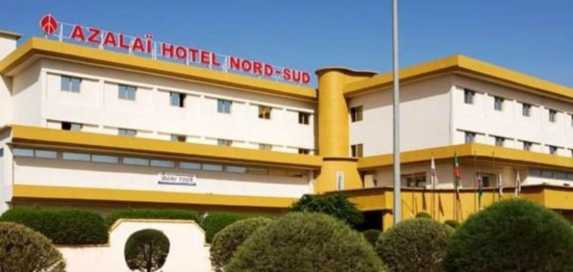 Стрілянина і вибух: у Малі невідомі увірвалися в готель