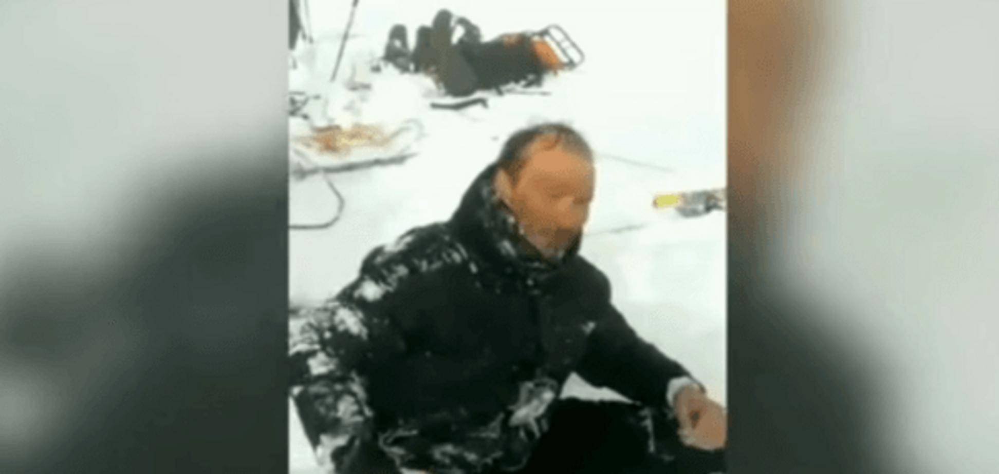 У Росії знайшли українського альпініста, який зірвався з Ельбрусу: відео порятунку