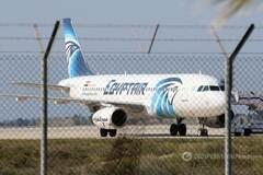 Захоплення лайнера EgyptAir: на борту залишилося лише четверо пасажирів