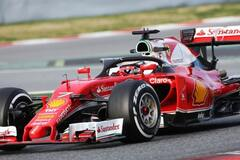 Ferrari показала на тестах болид будущего: яркие фото новинки