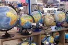 глобусы с российским Крымом