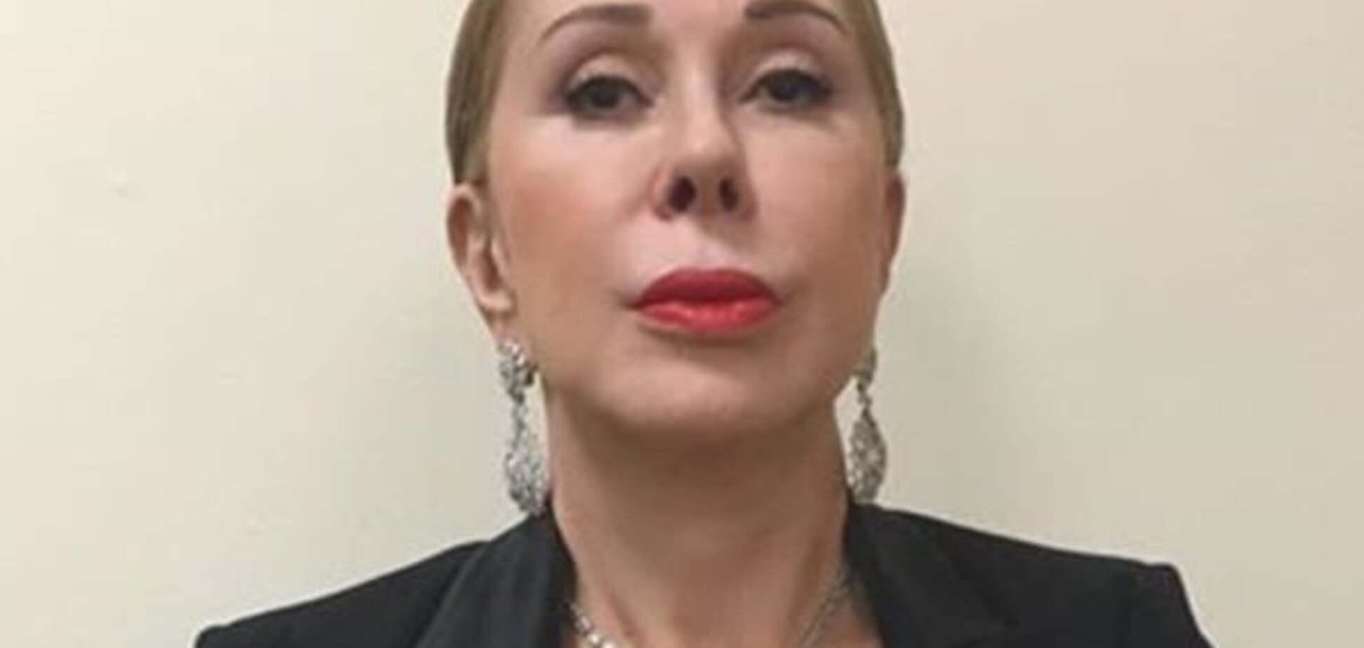 62-летняя Любовь Успенская показала ноги в ботфортах