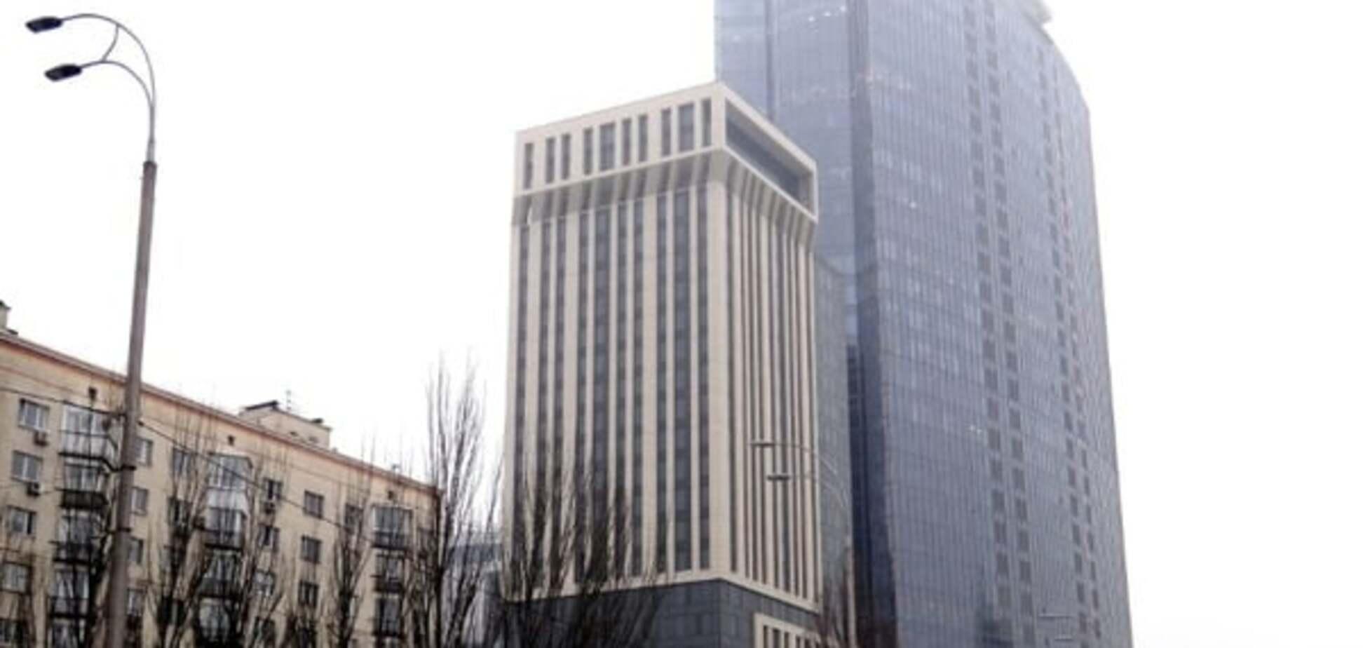 Гостиница-небоскреб завхоза Януковича: как отжималась госсобственность
