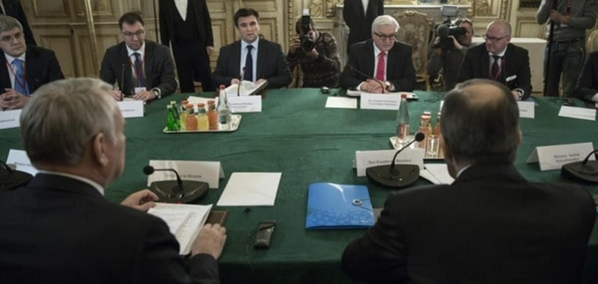 На переговорах в Париже озвучили сроки проведения выборов на Донбассе