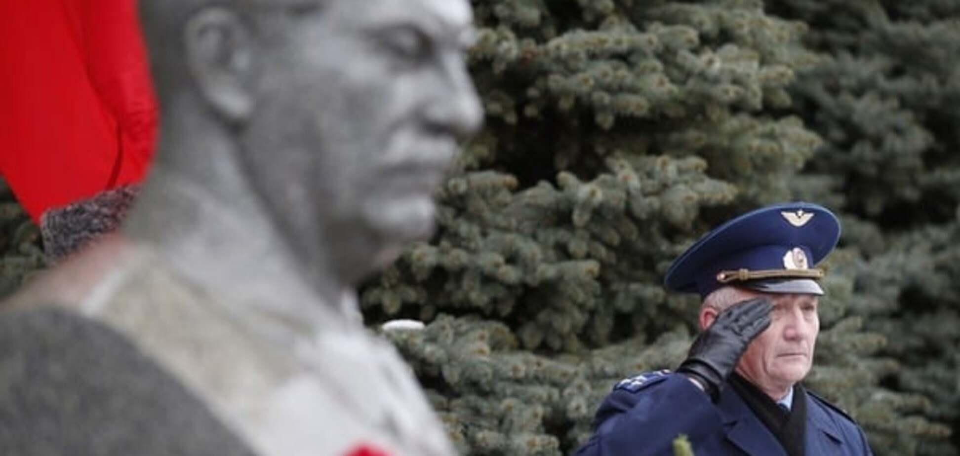 Скандал в сети: Facebook удалил пост известного художника о Сталине