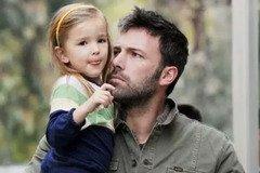 Батьківська любов: турботливі голлівудські зірки зі своїми малюками