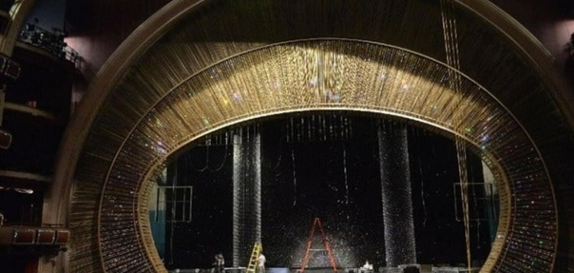 Swarovski для талантов: 9 самых грандиозных декорирований сцены церемонии 'Оскар'