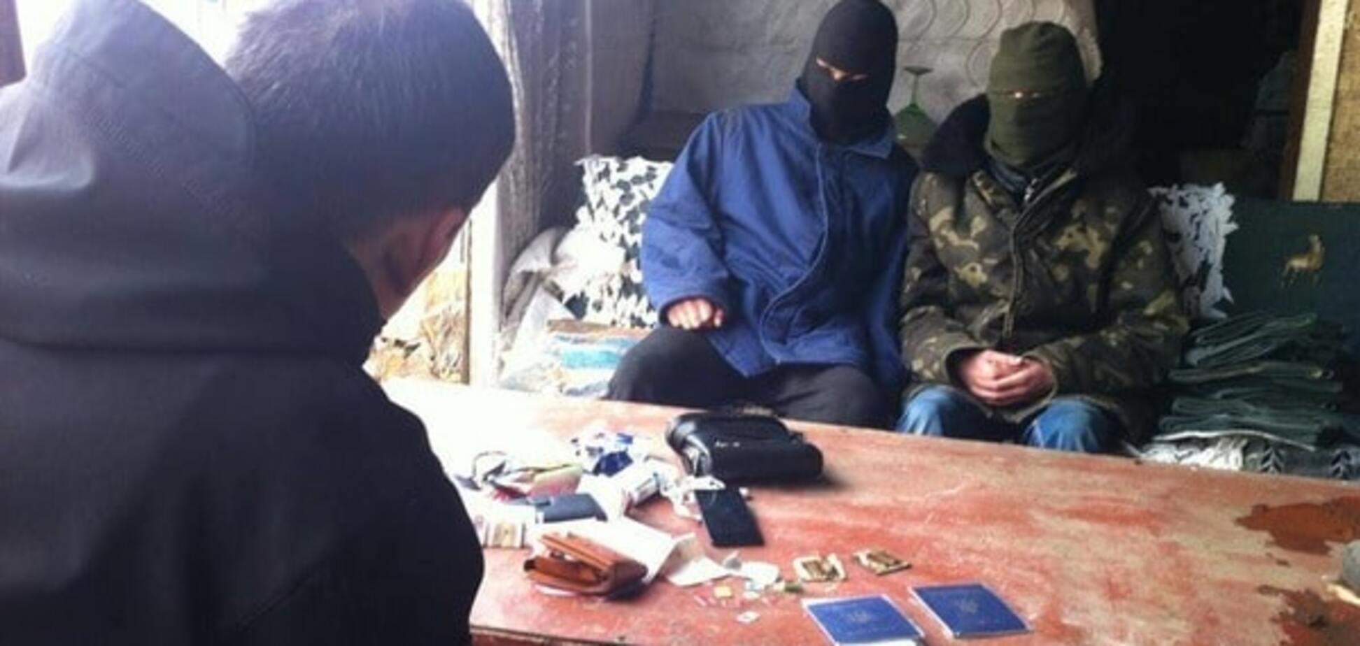 Звільнили - воюй за 'ДНР': колишні ув'язнені з Тореза розповіли про вербування 'на зоні'