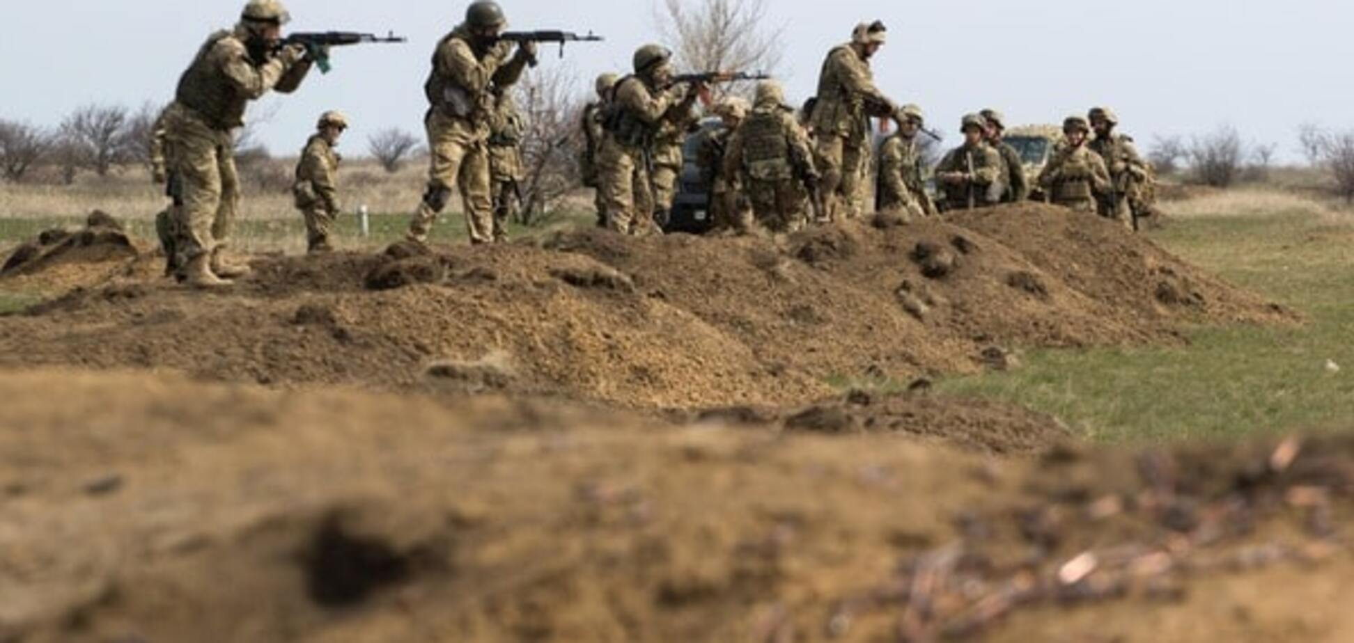 Троє українських бійців поранені за добу на Донбасі