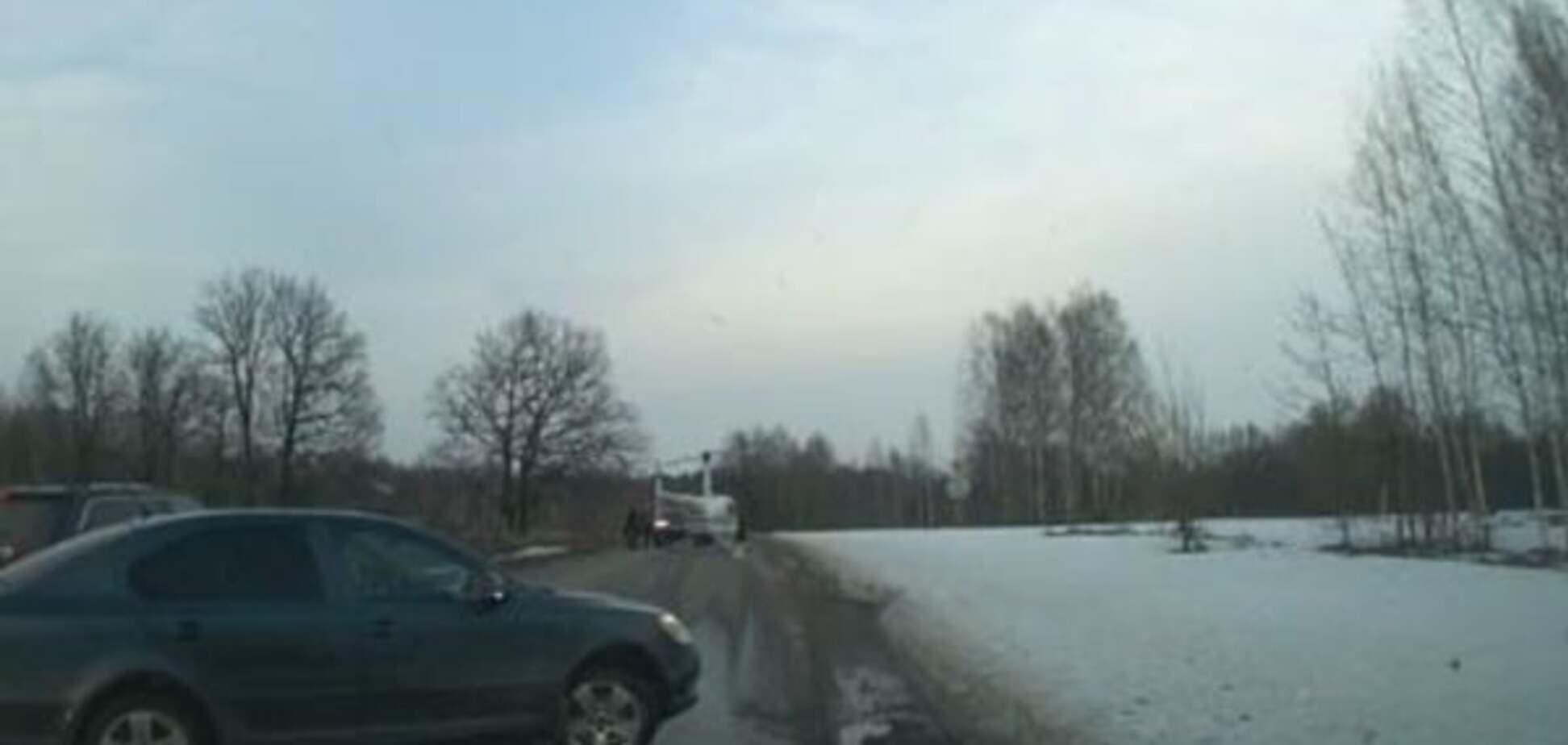У Росії перекрили трасу, щоб посадити вертоліт зі священиками