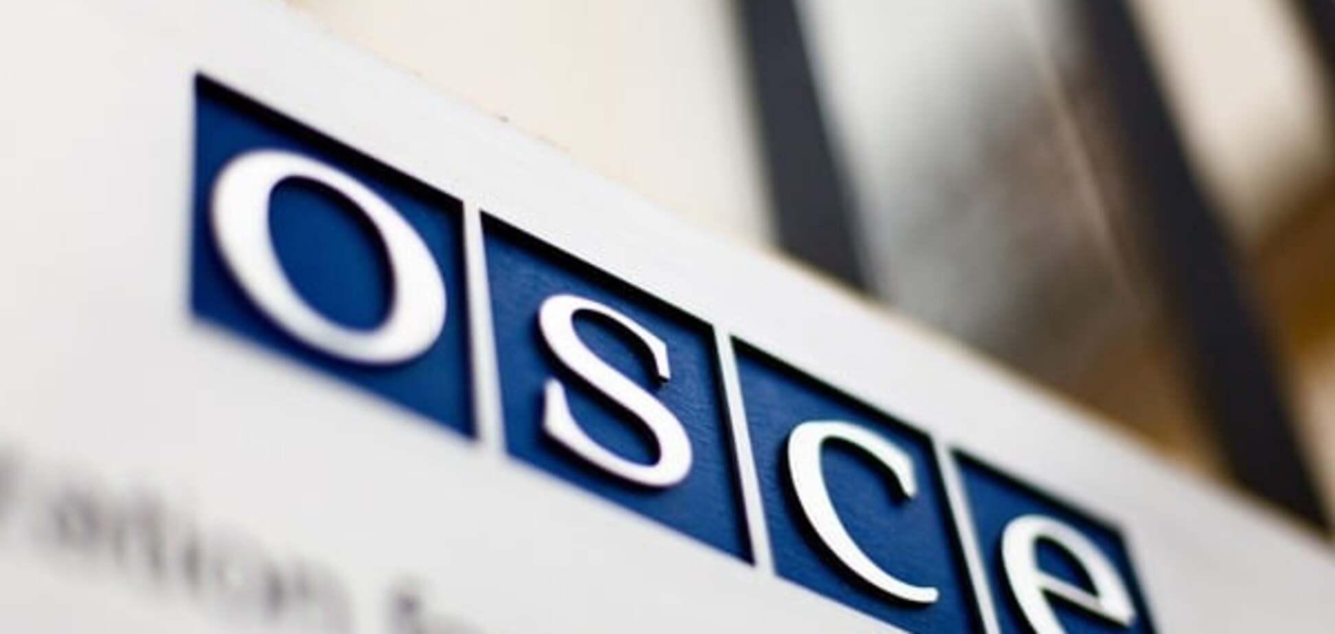Терористи 'ЛНР' на блокпосту не пропустили спостерігачів ОБСЄ і погрожували зброєю