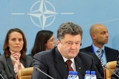 Дипломат розповів, навіщо Порошенка запросили на саміт НАТО