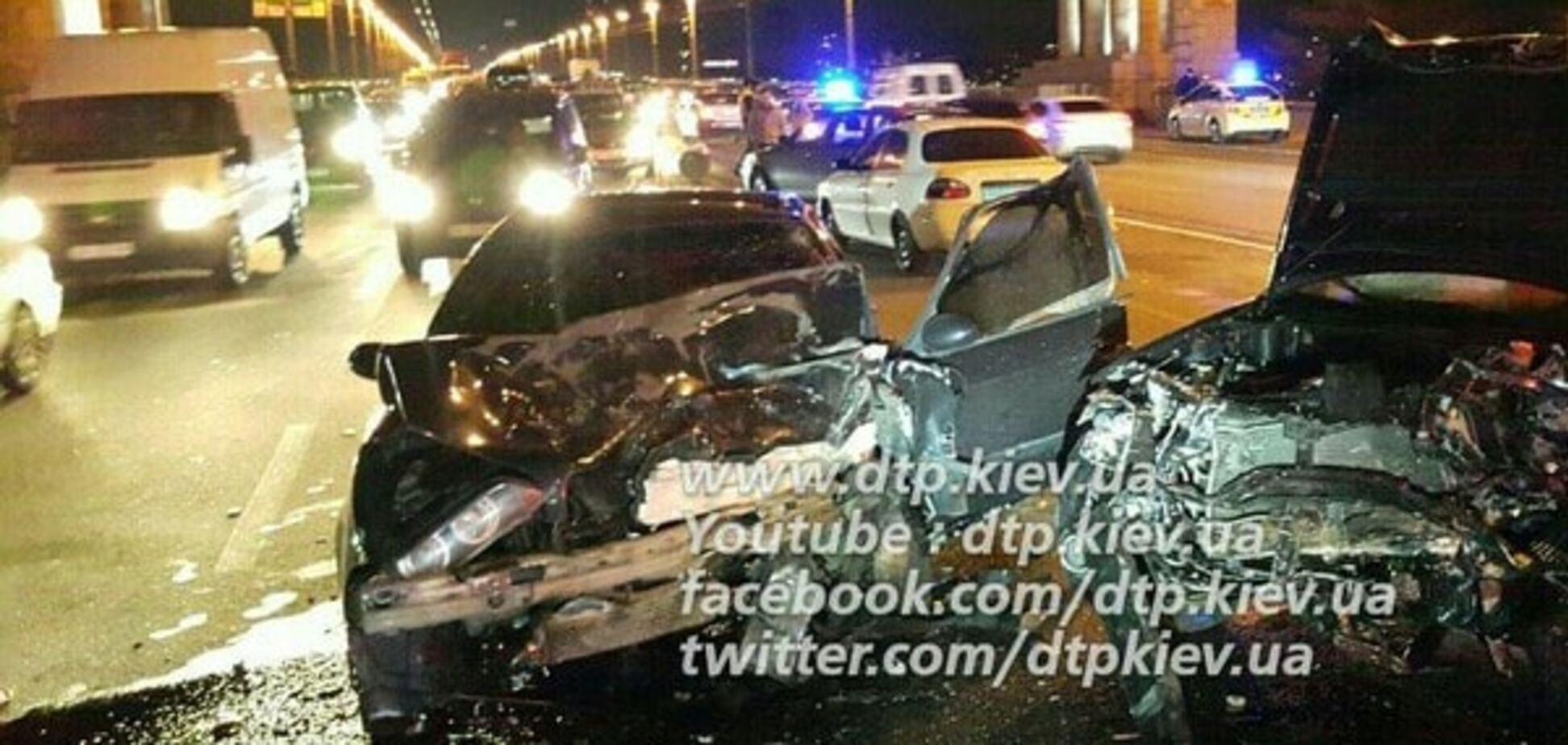 На мосту Патона в Києві сталася смертельна аварія. Опубліковані фото