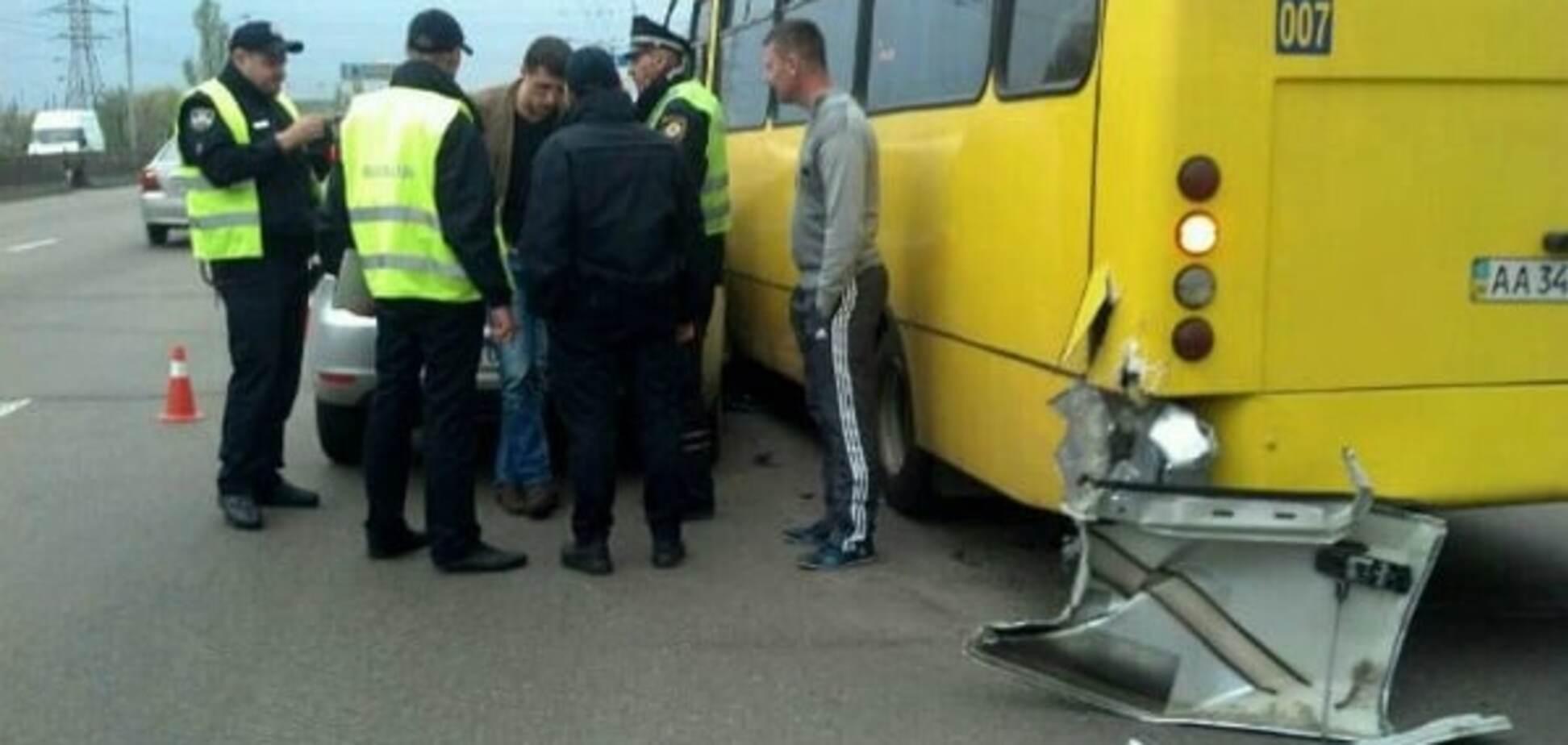 Пьяные полицейские в Киеве устроили аварию