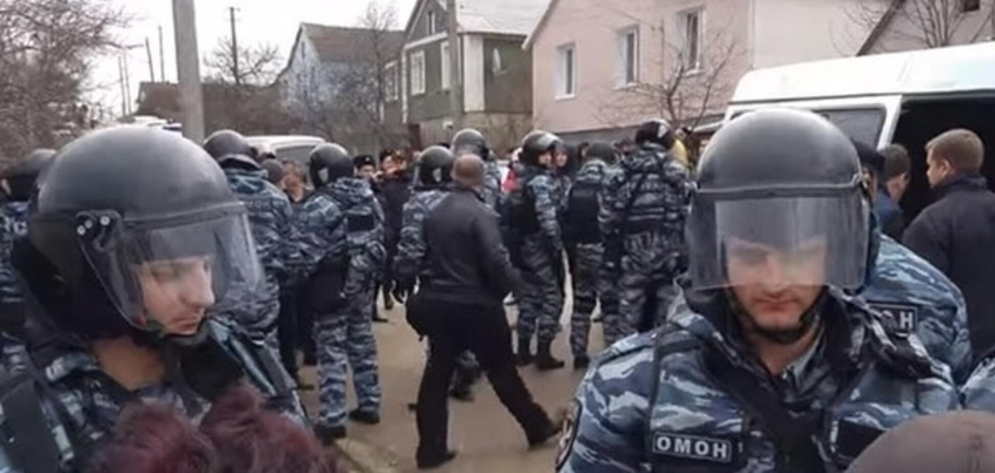 Окупанти після обшуків заарештували двох кримських татар