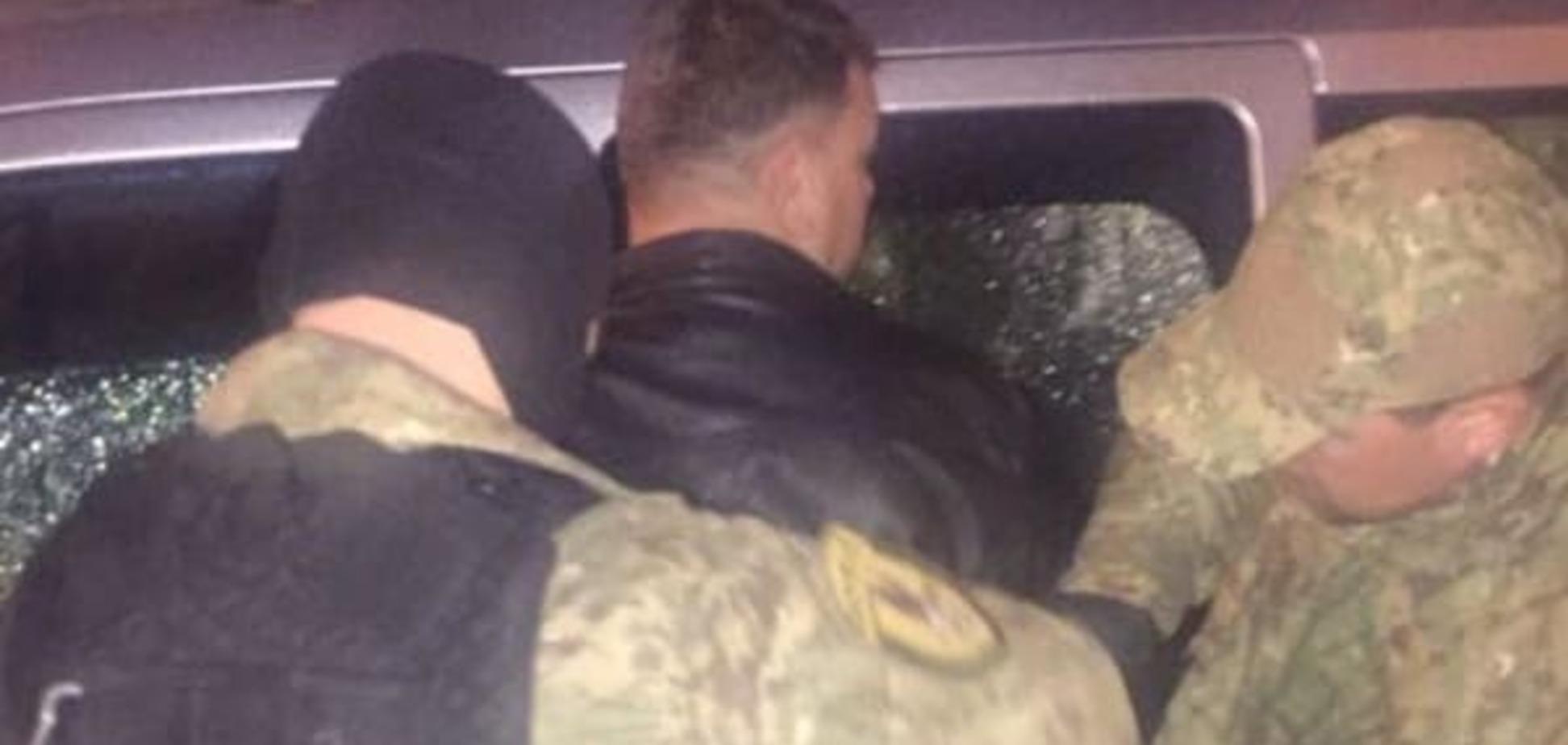 У Львові затримали майора-хабарника, який допомагав 'відкосити' від служби