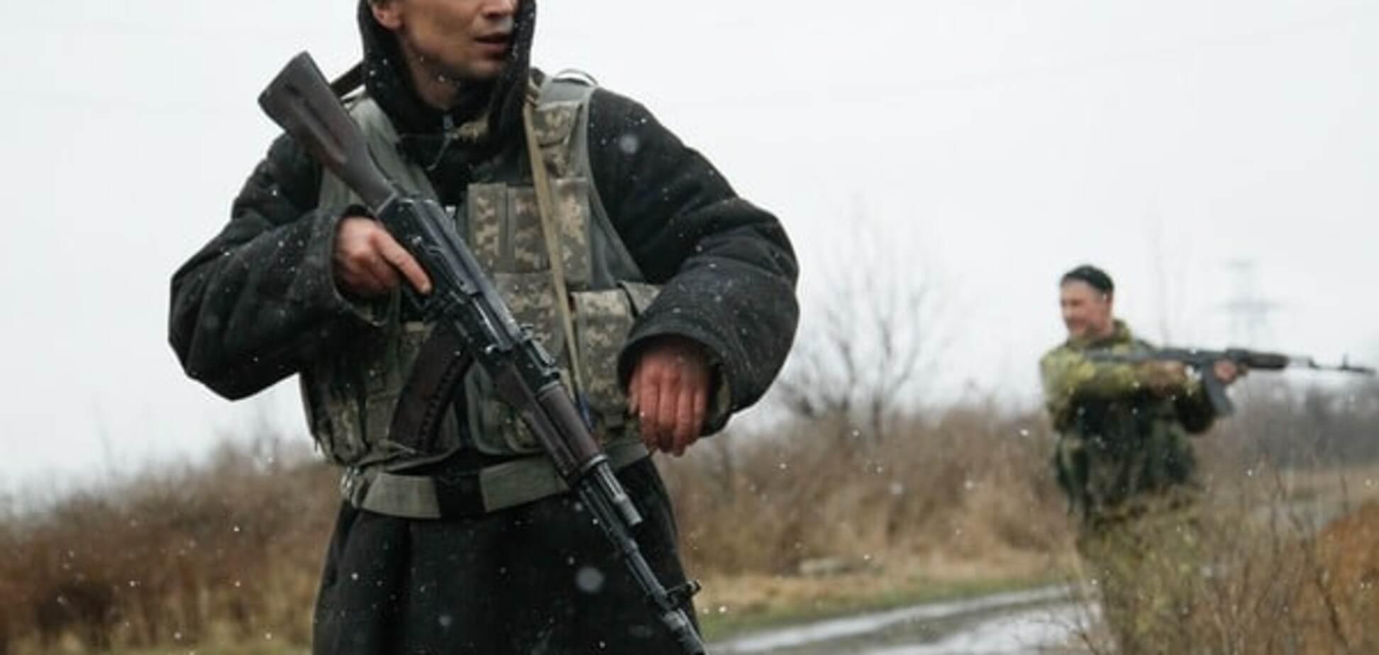 На Донбасі снайпери терористів атакували сили АТО в районі Мар'їнки - штаб