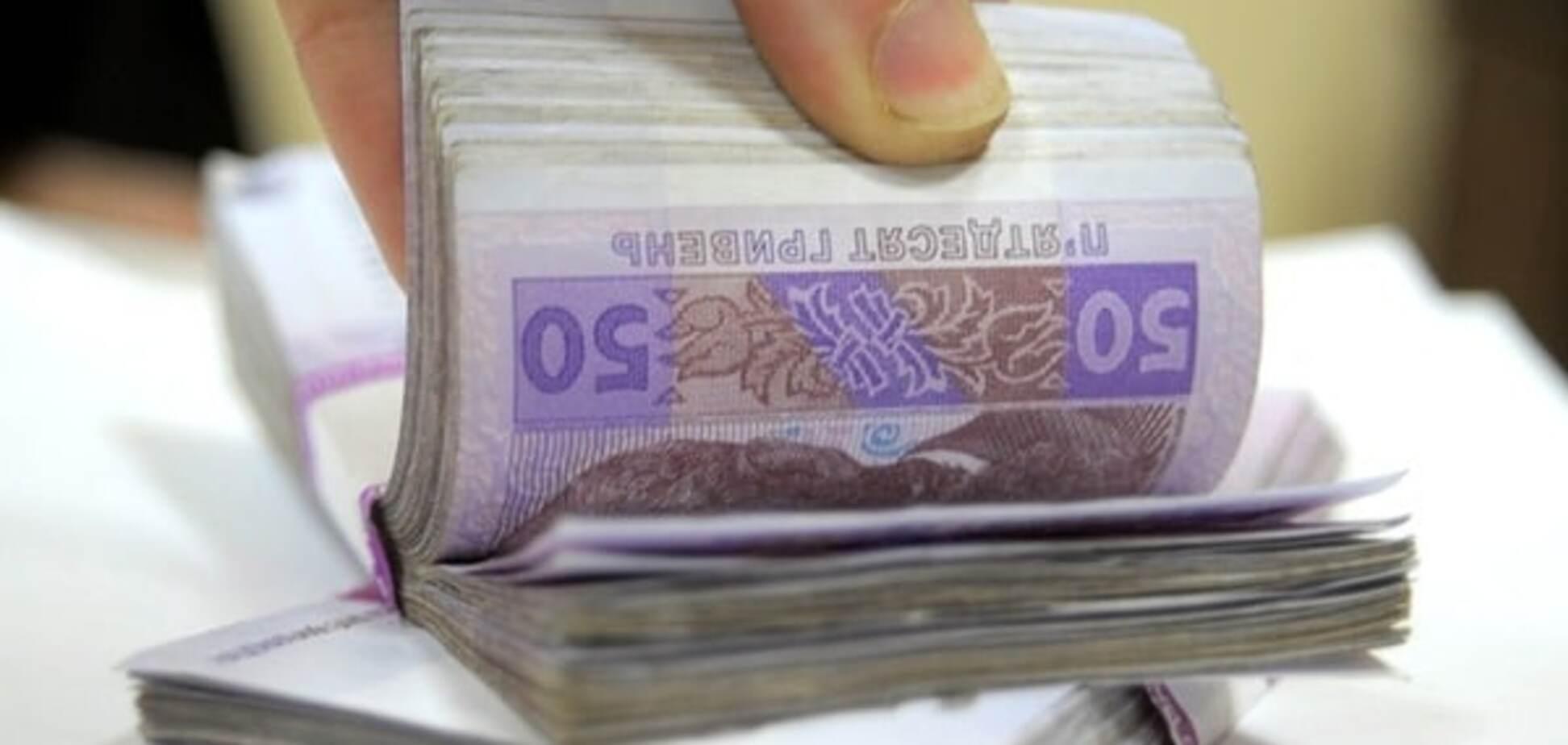 Гроші за крадіжку: в Харкові слідчого поліції зловили на хабарі