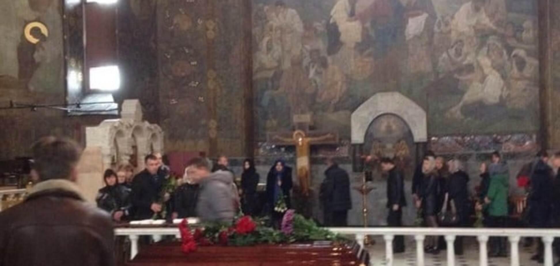 У Києві прощаються з убитим адвокатом Грабовським