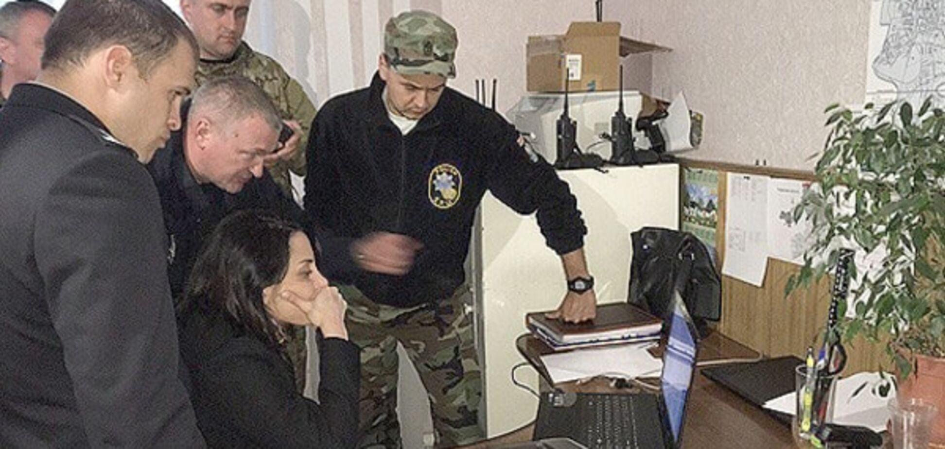 Перемога: силовики заявили, що видобуток бурштину на Рівненщині припинено