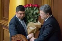 Порошенко відмовився дарувати квіти чоловікам-чиновникам