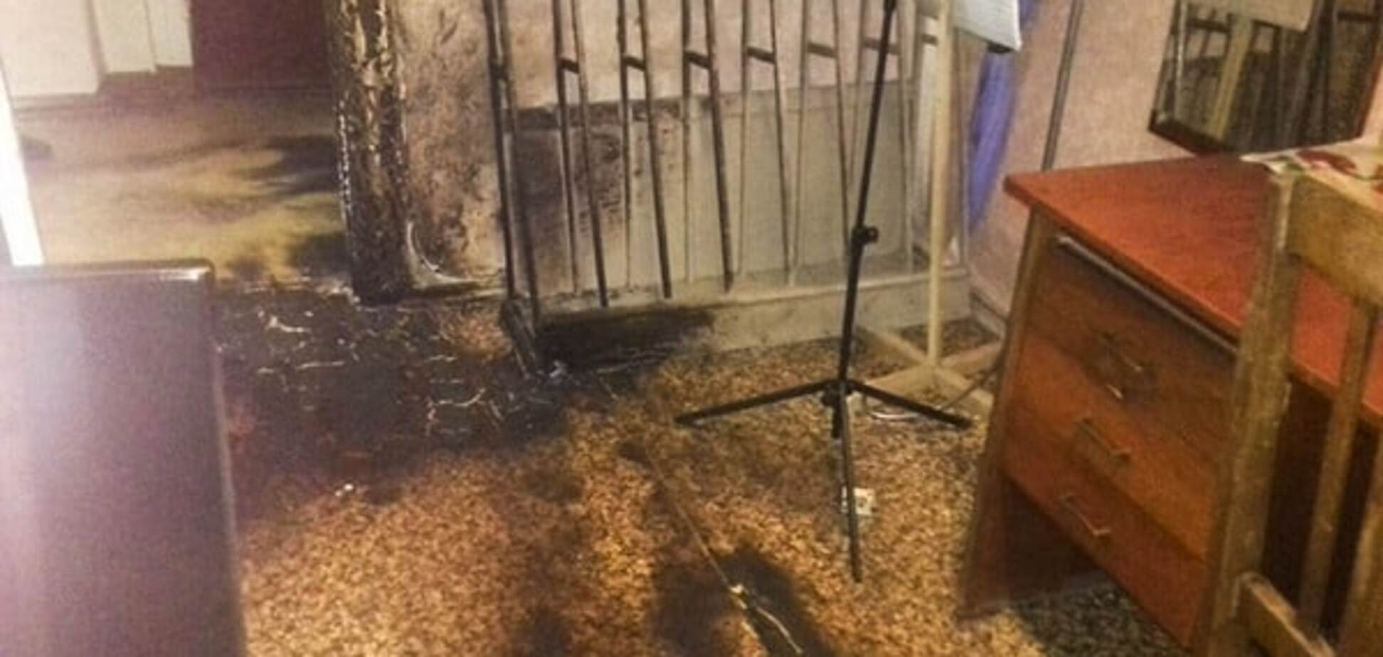 Помста: в Маріуполі хлопець намагався підпалити училище. Фотофакт