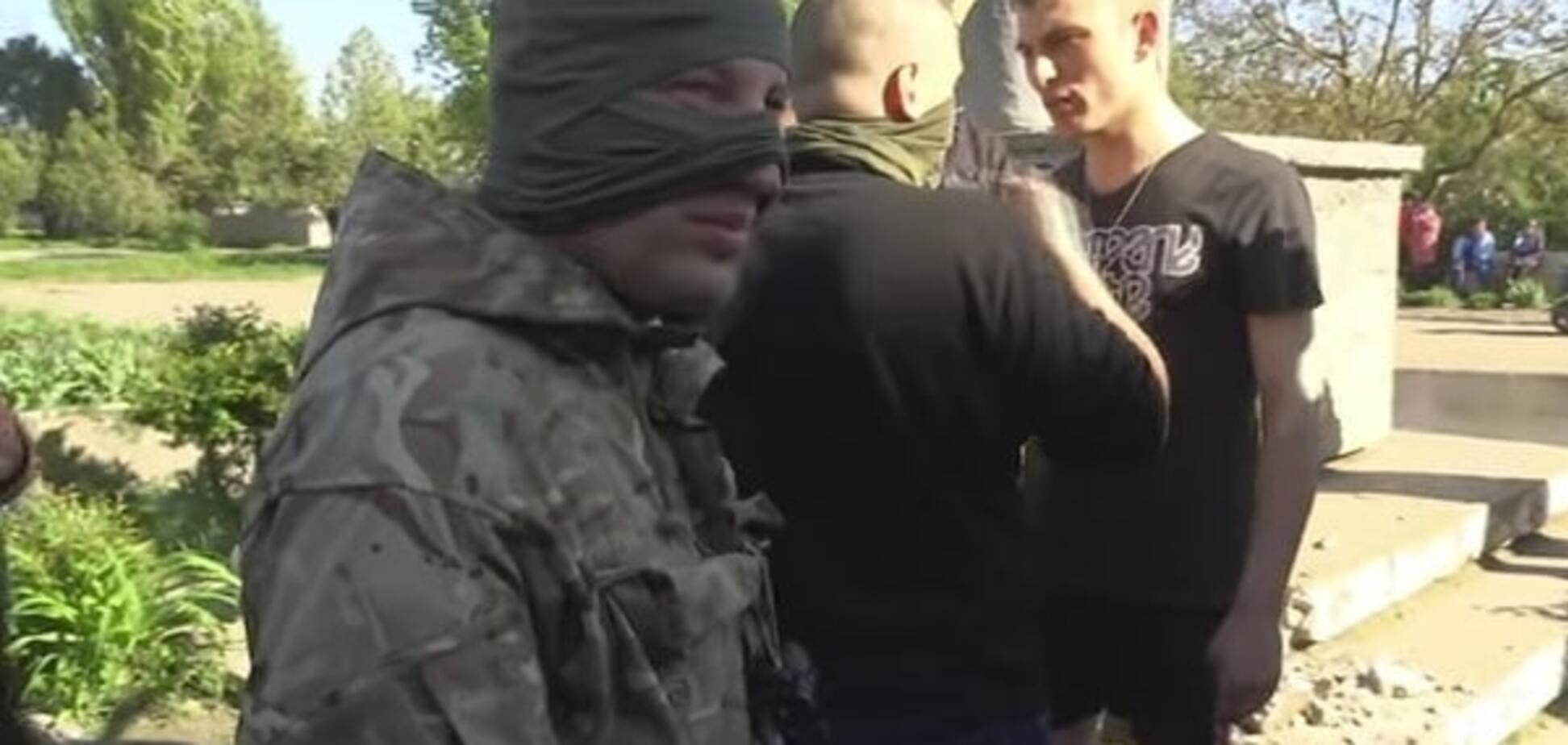В 'Азові' пояснили бійку з цивільними під час знесення Леніна на Одещині
