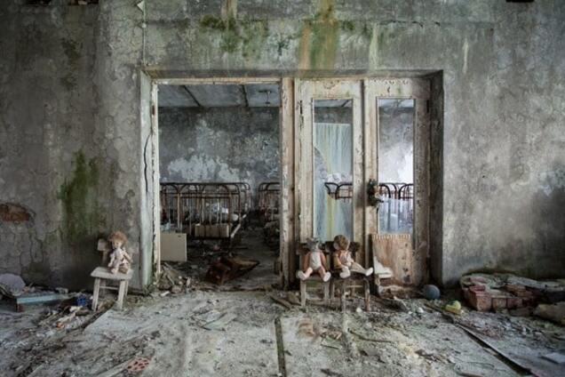 Чернобыль и Припять 30 лет спустя: снимки из зоны отчуждения