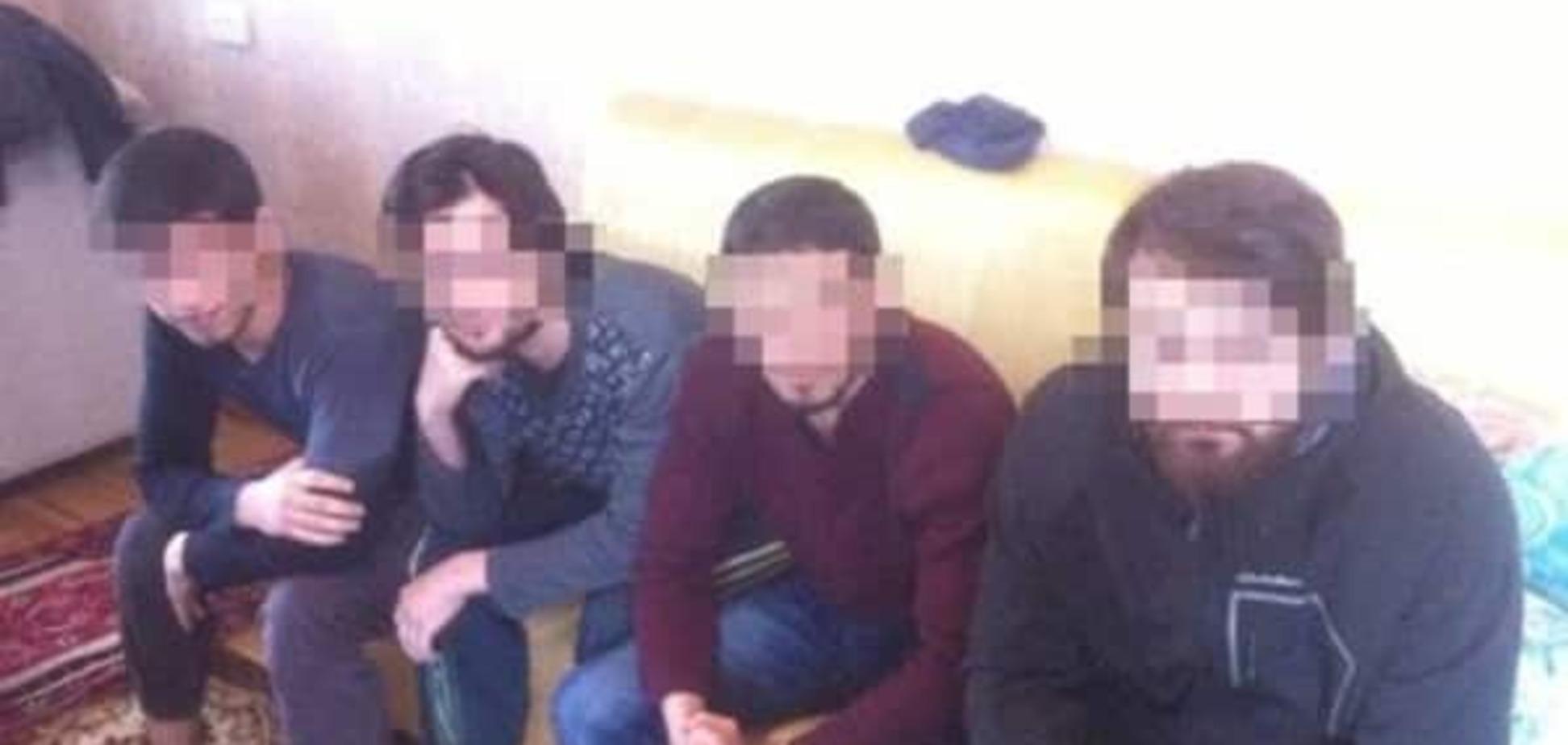 Їхали на війну: в Києві затримали групу прихильників ІДІЛ