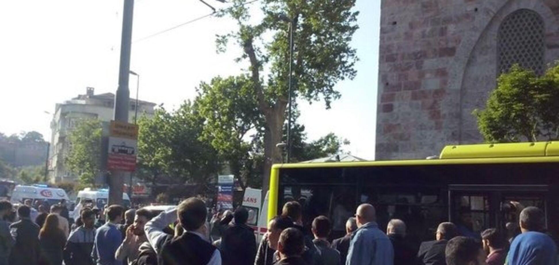 Теракт у Туреччині: смертниця підірвала себе біля мечеті
