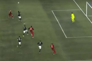 Божевільна траєкторія. Англійський футболіст забив незвичайний гол у чемпіонаті США