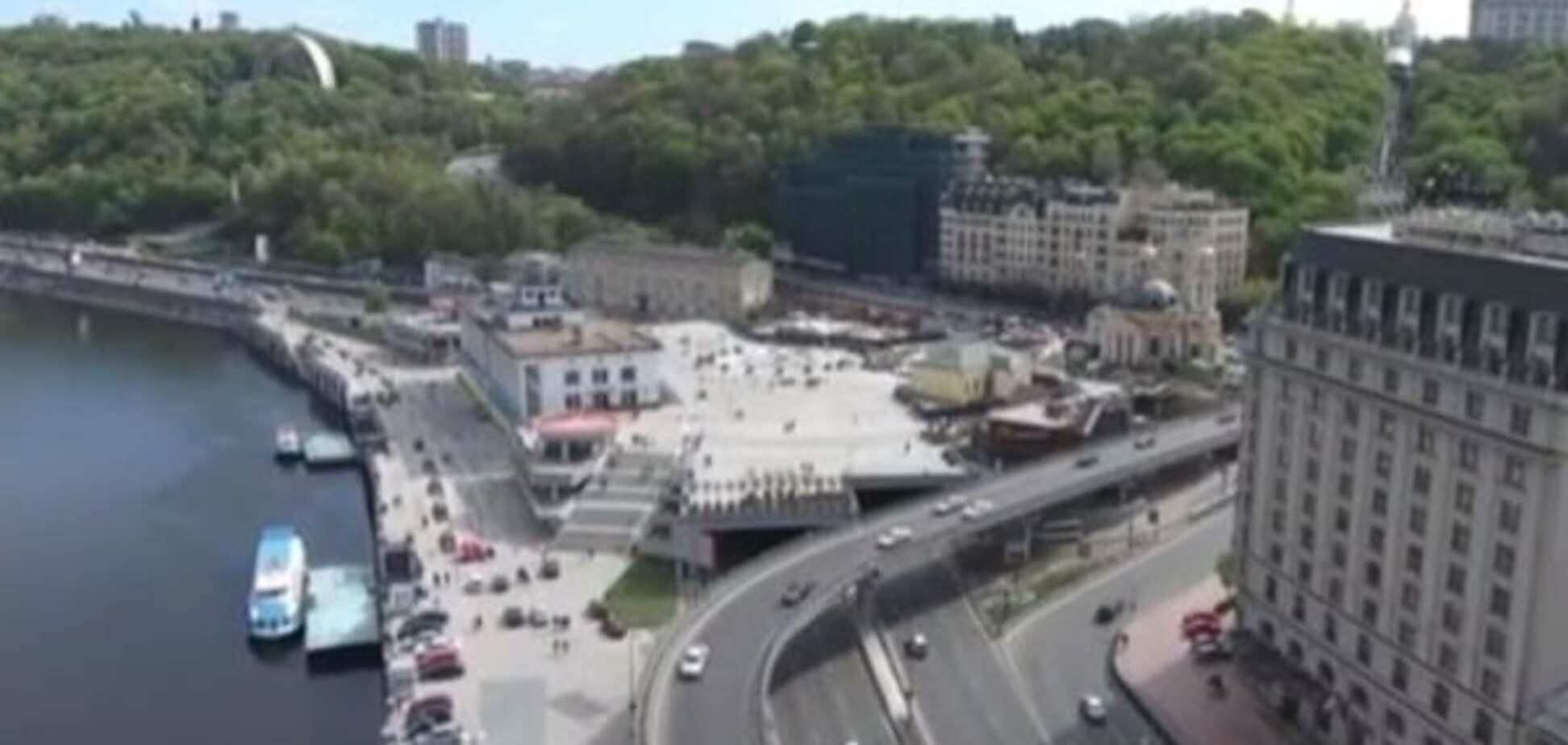 Поштову площу в Києві зняли з висоти пташиного польоту