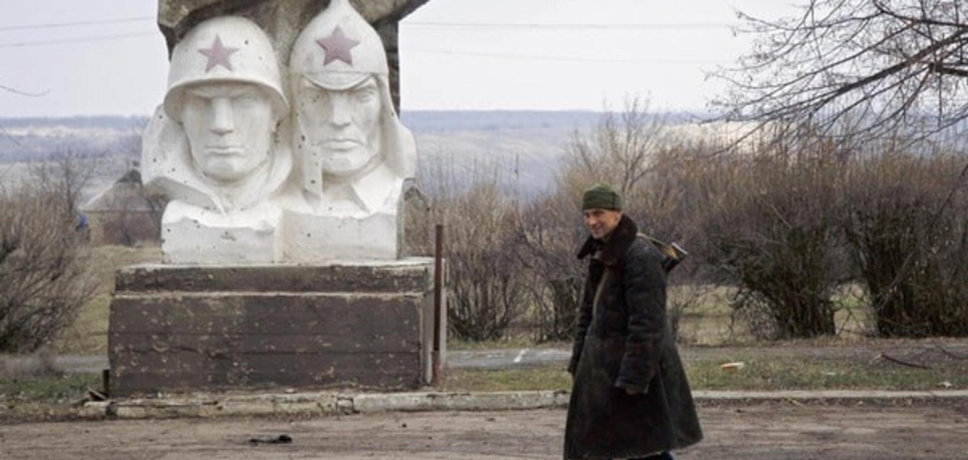 Вантажівка з російськими військовими підірвалася на Донбасі: є жертви